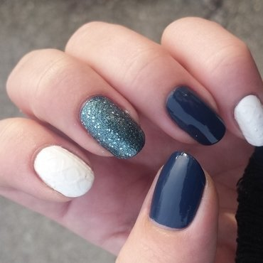 knitted nails using polish  nail art by mariejane