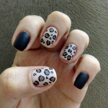 Leopard nail art by Deniz