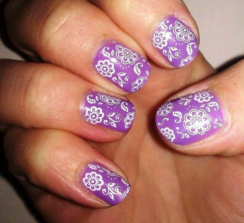 Lilac Flowers nail art by Meggy