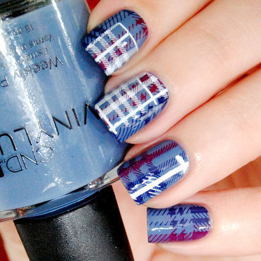Tartan nail art by Lackopfer