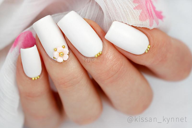 Kukkanen nail art by Yue