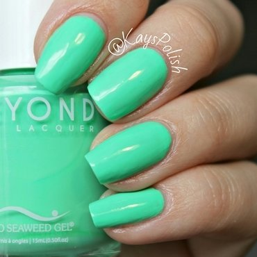 Bio Seaweed Gel Granny Smith Swatch by Kay's Polish