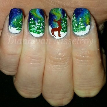 Nothern lights  nail art by Diana van Nisselroy