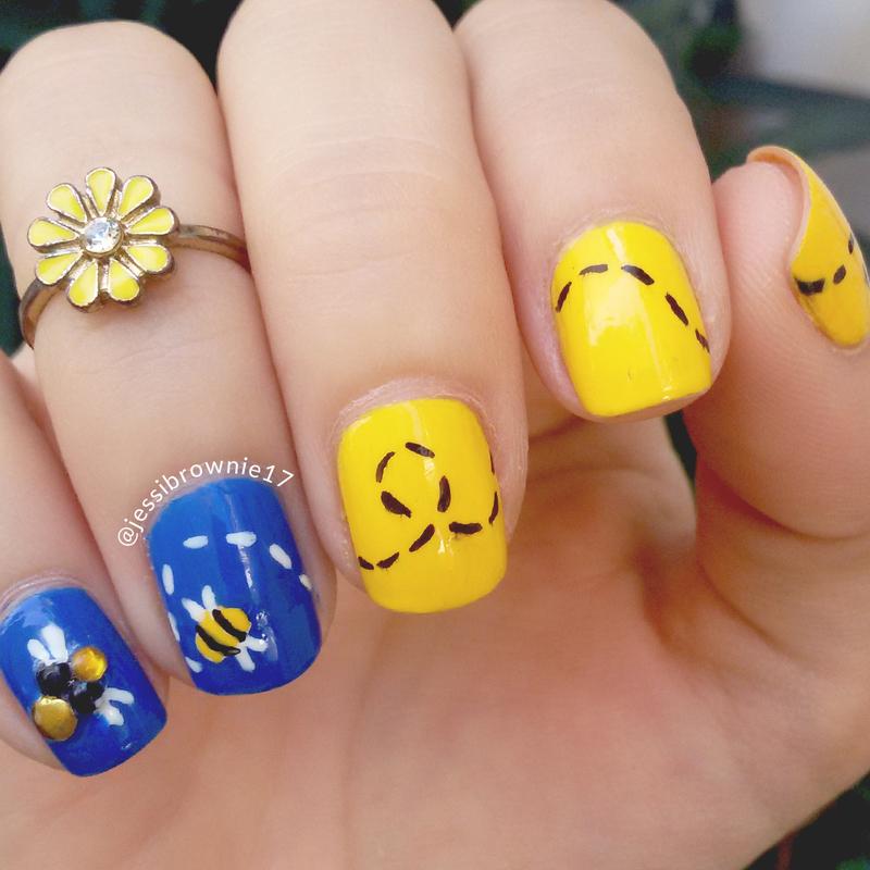 Bee Fashion nail art by Jessi Brownie (Jessi)