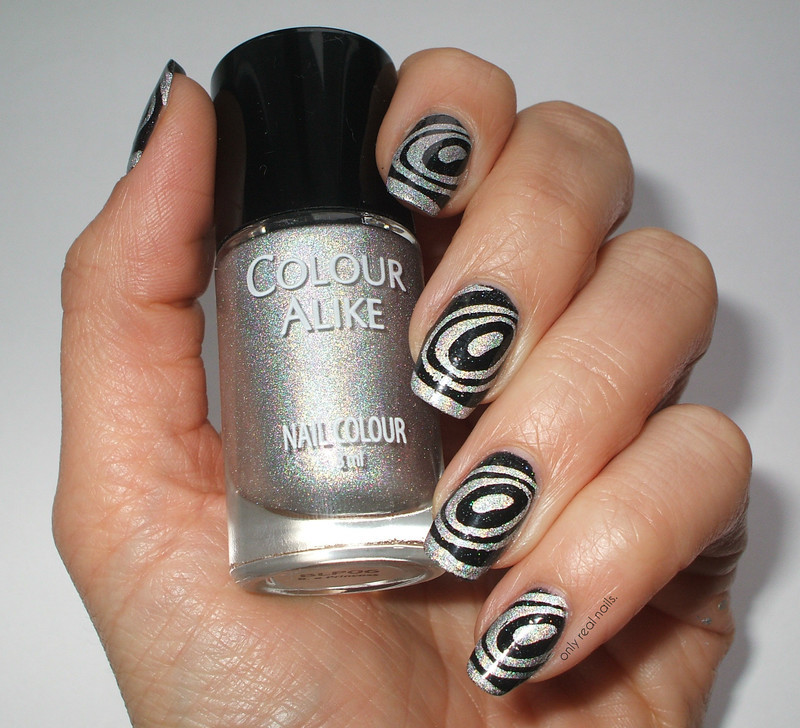 Op art nail art by only real nails. - Nailpolis: Museum of Nail Art