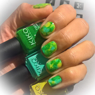 Green, Light Green and Yellow #smooshynailsunday  nail art by Avesur Europa