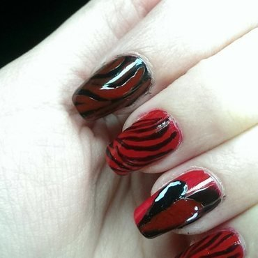 Valentine's day #2 nail art by Maria T.