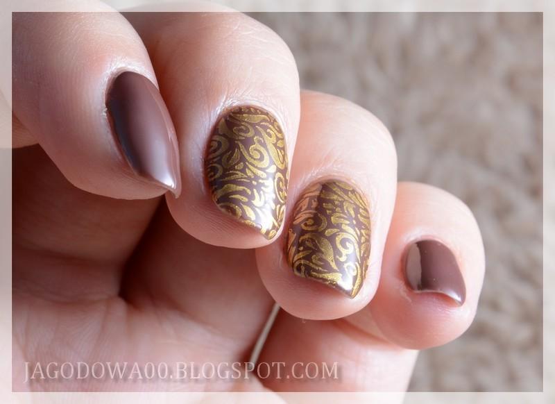Brown & gold nail art by Jadwiga