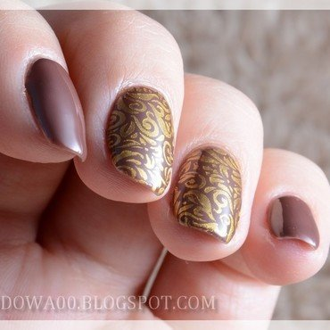 Brown & gold nail art by Jadwiga