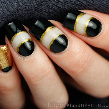 Black gold nails thumb370f