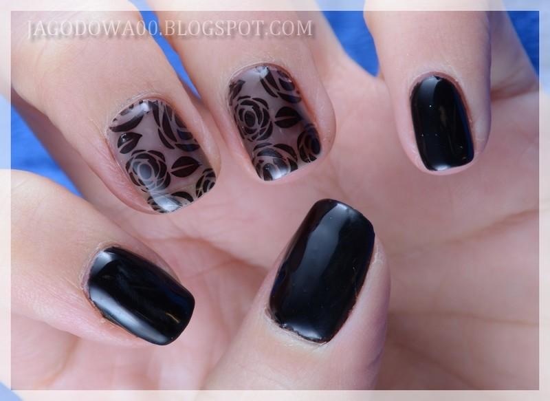 Roses tights nail art by Jadwiga