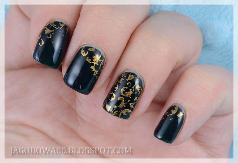 Gold stamping nail art by Jadwiga