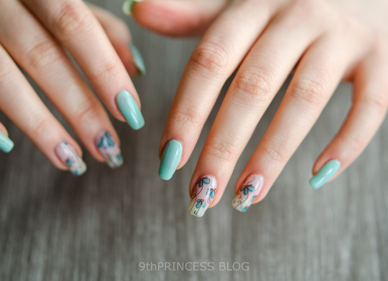 Blue Bloom nail art by 9th Princess
