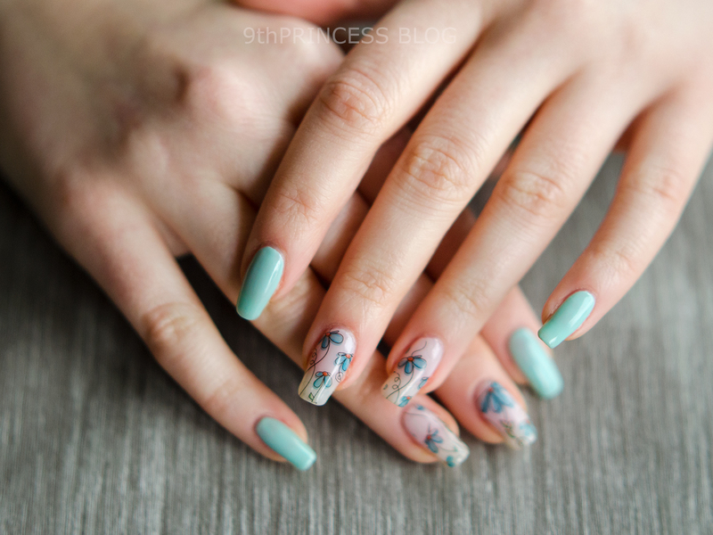 Blue Bloom #2 nail art by 9th Princess