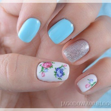 Spring flowers nail art by Jadwiga
