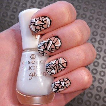 Triangle nails nail art by Aurora Klančar