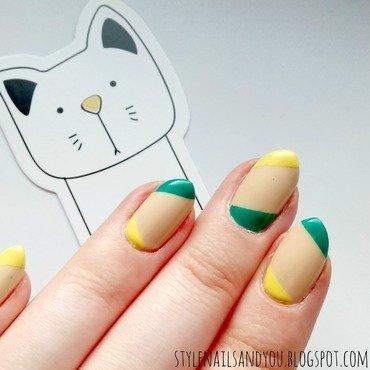 Ultramarine Green nail art by StyleNailsAndYou