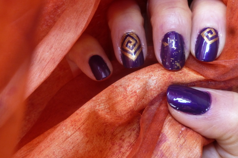 Purple diggers nail art by Barbouilleuse