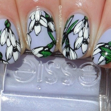 Snowdrops nail art by Plenty of Colors