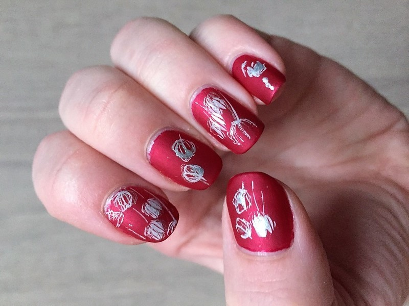 Red Star Tulips nail art by Meggy