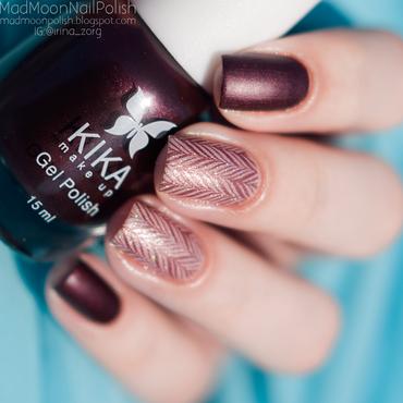 A little chocolate?) nail art by Irina Zorg