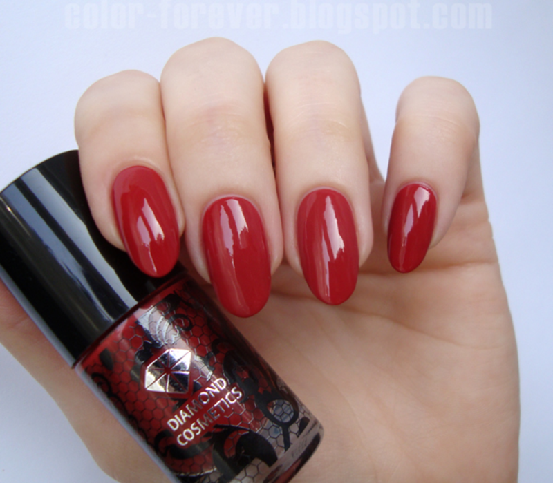 Semilac Dirty Red (classic) Swatch by ania