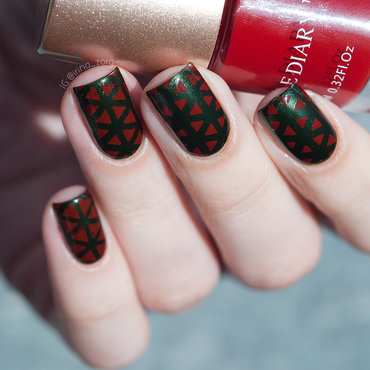 Green and red.  nail art by Irina Zorg