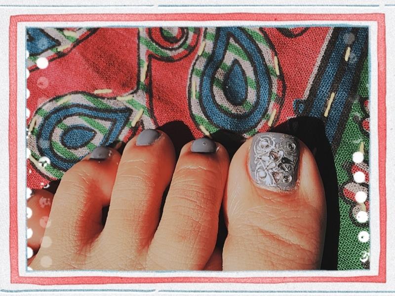 gray shoes nail art by Idreaminpolish