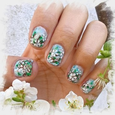 White Plum Flowers 💐  nail art by Avesur Europa