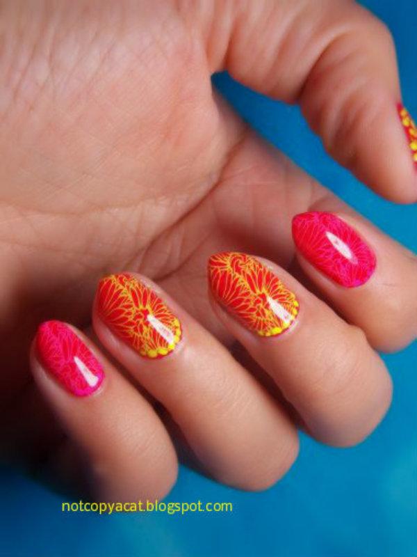 Dots'n'flowers nail art by notcopyacat