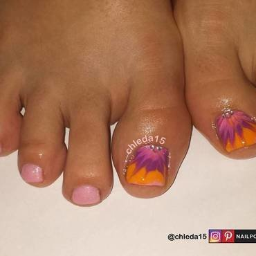 Dragging Dahlia nail art by chleda15