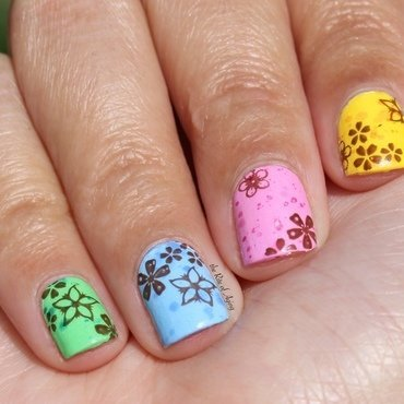 Speckled Eggs and Spring Flowers nail art by Monica