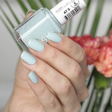 Essie 475 strike a pose itano nailpolish 2017 2 thumb370f
