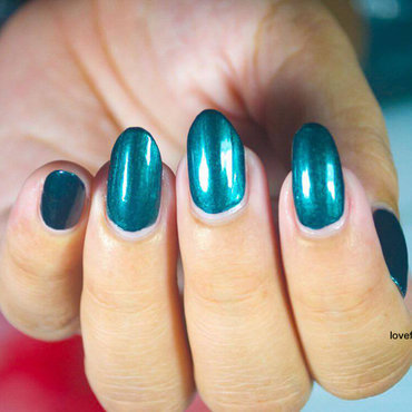 Avon nail wear pro+ Noir Emerald Swatch by Demi