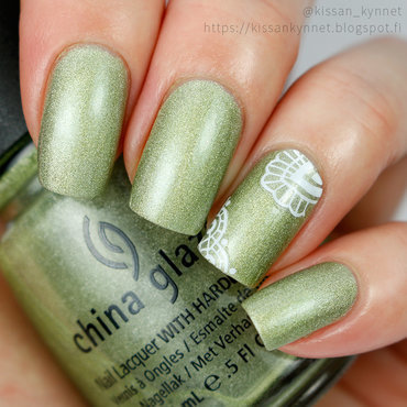 Lace on Holo nail art by Yue