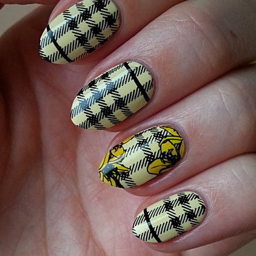Checked Nails & Yellow Flowers nail art by Mgielka M