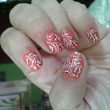 Overwritten Stripes nail art by Rusa