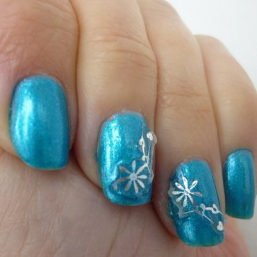 Blue Lagoon nail art by velinux