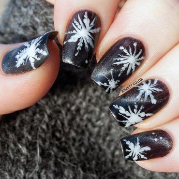 A Snowy Night nail art by Kimett Kolor