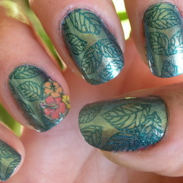 Teal Two nail art by Barbouilleuse