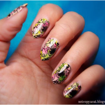Flowery blur nail art by notcopyacat