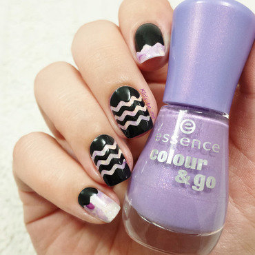 Zig Zag nail art by klo-s-to-me