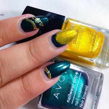 Glitter Pop nail art by Demi