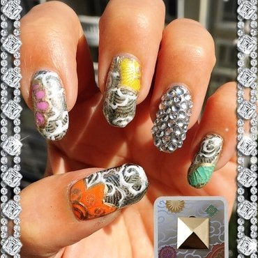 fancy cake tin nail art by Idreaminpolish