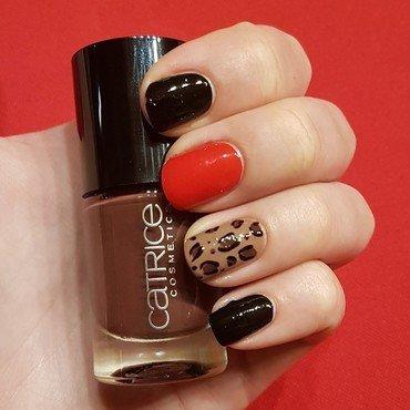 Leopard print nails nail art by Aurora Klančar