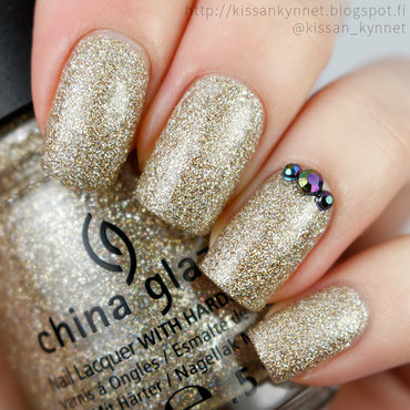 China glaze im not lion swatch thumb370f