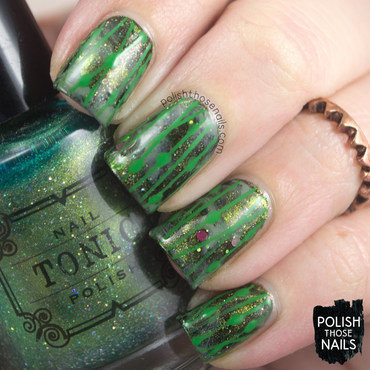 Green shimmer smoosh line pattern nail art 4 thumb370f