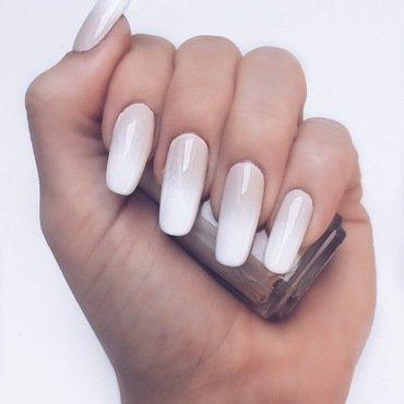 Nude fade nail art by Camilla Nielsen
