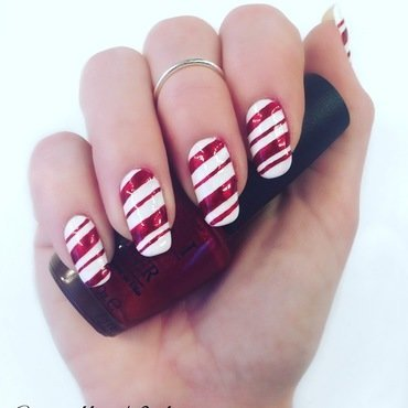 Candy cane nail art by Camilla Nielsen