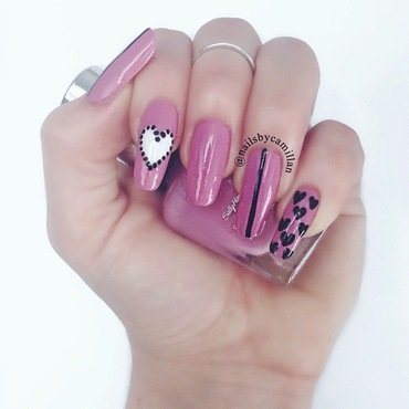 Valentine's day nail art by Camilla Nielsen